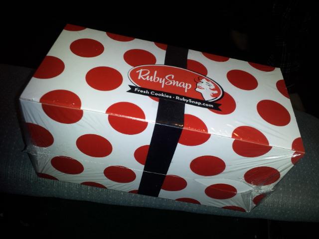 RubySnap Dozen Cookies Box