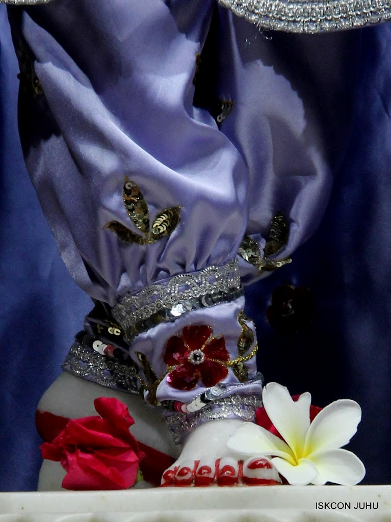 ISKCON Juhu Mangal Deity Darshan on 7th July 2016 (30)