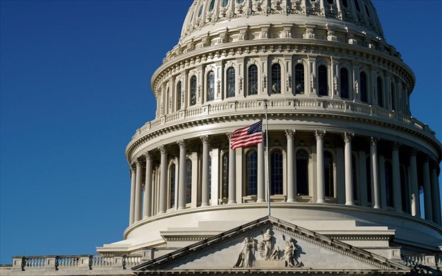 ΗΠΑ: Εγκρίθηκε από το Κογκρέσο το πακέτο στήριξης 1,9 τρις δολαρίων του Μπάιντεν