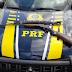 PRF prende motorista que jogou espingarda pela janela do carro ao tentar fugir de fiscalização.