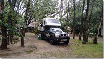 camping-molhes-da-barra-estacionados