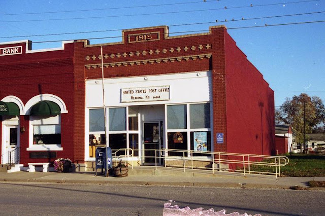 Reading, KS post office, 2001