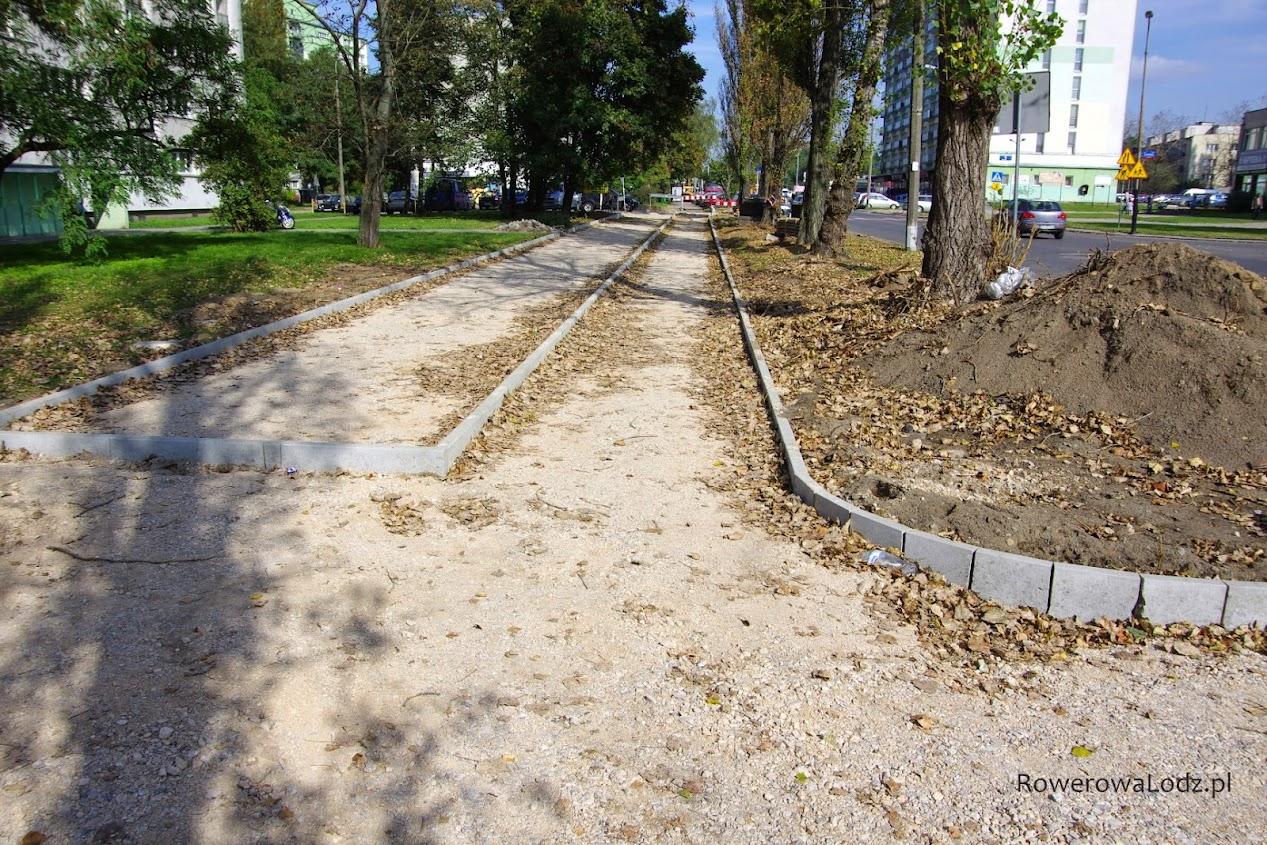 Na północ od ul. Łanowej będzie już oddzielna rowerówka.