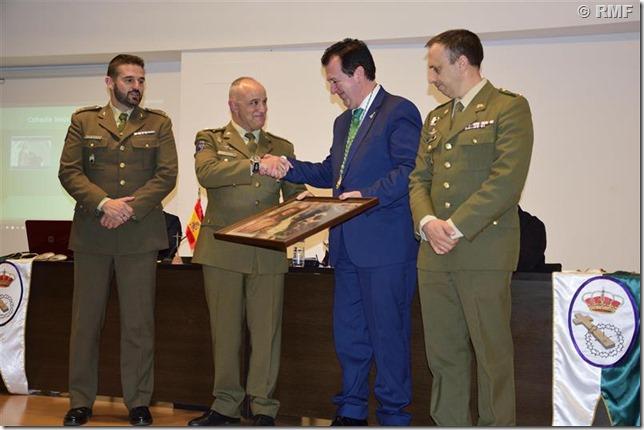 Entrega del reconocimiento al Batallón de Helicópteros