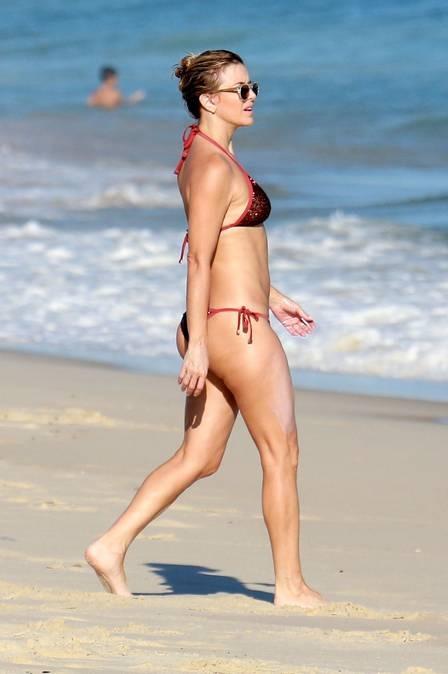 xchristine-fernandes-praia-,2847,29.JPG.pagespeed.ic.93lp8GNJoe