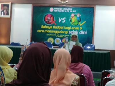 seminar anak dan gadget