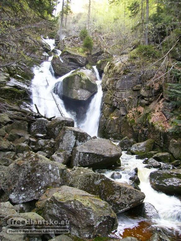 erny-potok-vodopad-2