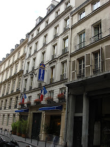 Hotel Jonathan stayed in for first four weeks in Paris.