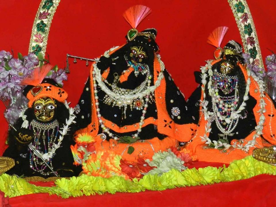 Radha Shyamasundar 10 Jan  2016  (1)