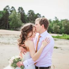 Wedding photographer Sonya Badeeva (SoniaSverchok). Photo of 07.07.2014