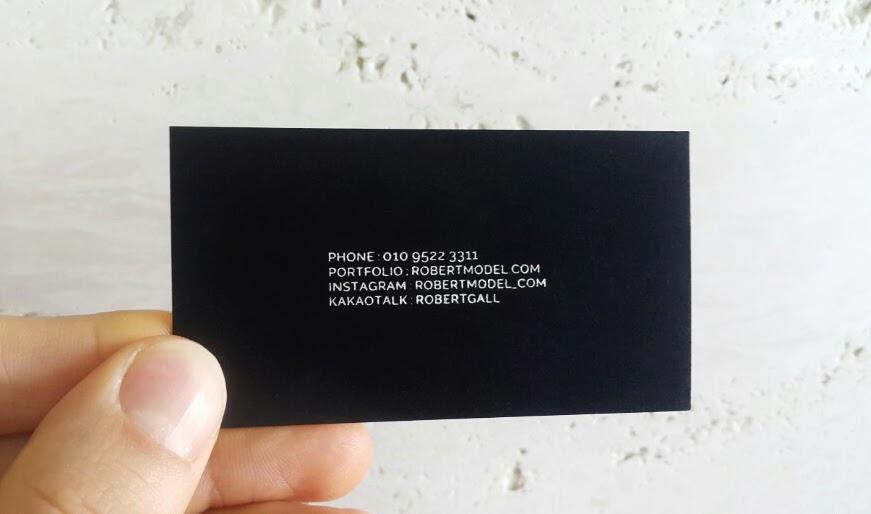 robertmodel_namecard2.jpg