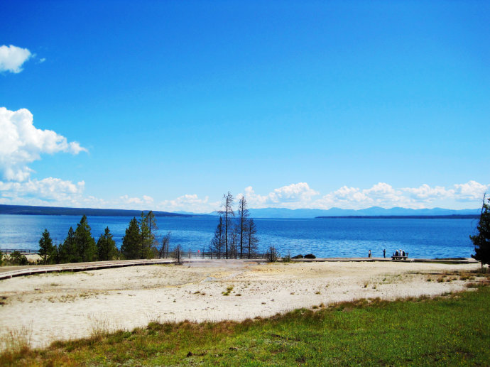 Yellowstone Lake so nice