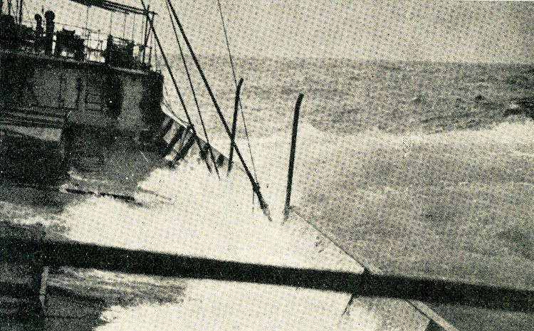 Embarcando cancamos. Foto tomada por el capitan Sastre Carreras. Revista Iberica. Fecha indeterminada.jpg
