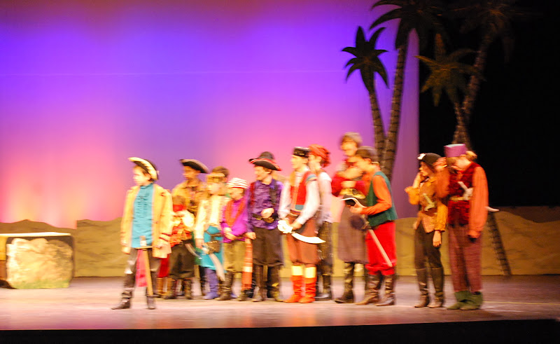 2012PiratesofPenzance - DSC_5850.JPG
