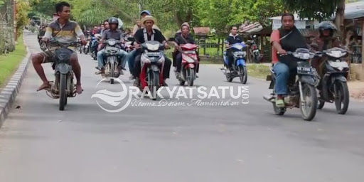 Tidak Fokus, Pengantar Mayat Racing Team Tabrak Kamera yang Sedang Live