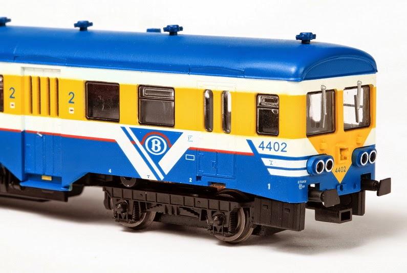 TO 4402 rood en blauw 15-12-2012 300,00 IMG_4102-03.JPG