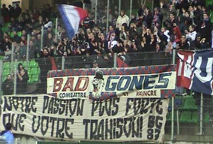 2003-11-29_rennes-lyon_banderole_n_scp.JPG