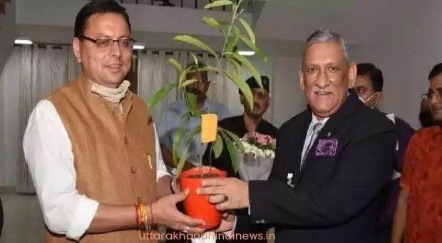 उत्तराखंड : मुख्यमंत्री से मिले सीडीएस जनरल बिपिन रावत, राज्य से जुड़े मुद्दों पर की चर्चा