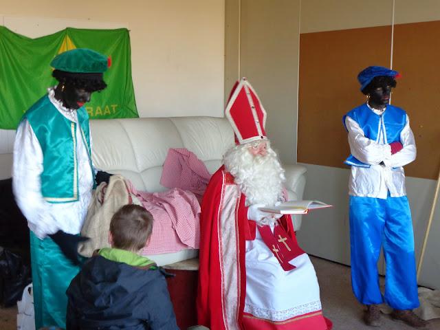 Sinterklaas op de scouts - 1 december 2013 - DSC00220.JPG