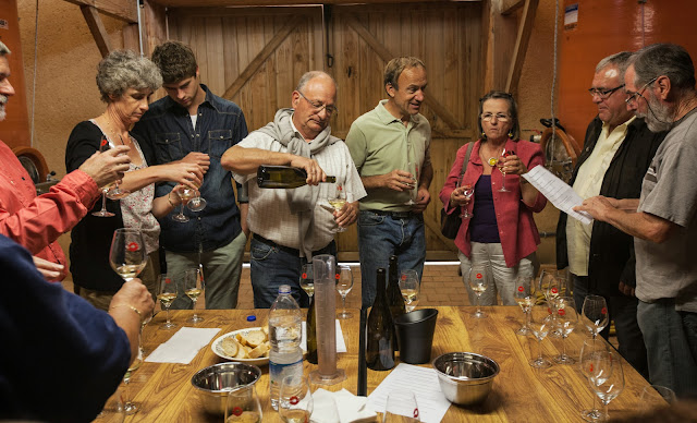 Assemblage des chardonnay milésime 2012. guimbelot.com - 2013%2B09%2B07%2BGuimbelot%2Bd%25C3%25A9gustation%2Bd%25E2%2580%2599assemblage%2Bdu%2Bchardonay%2B2012%2B115.jpg