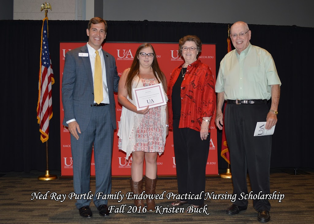 Fall 2016 Scholarship Ceremony - Ned%2BRay%2BPurltle%2BFamily%2B-%2BKristen%2BBuck.jpg