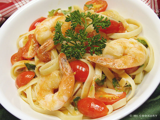 Shrimp, Tomato and Basil Pasta | HI COOKERY