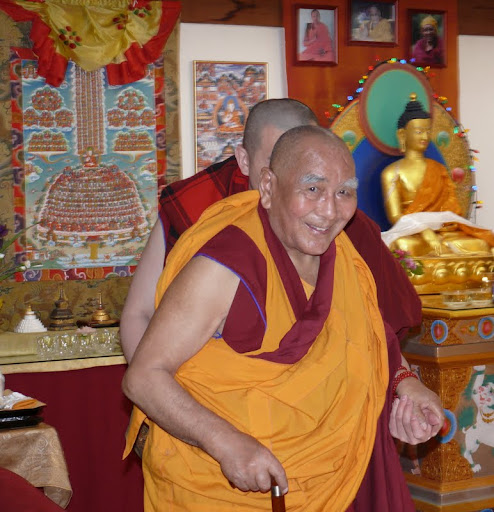 Geshe Sopa at Vajrapani Institute, California, April, 2009. Photo by Kalleen Mortensen.