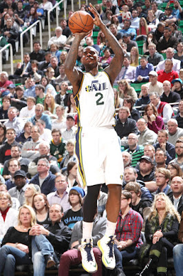 wearing brons nba lebron10 id marvin williams 01 Wearing Brons: Breds, Carbons, Canaries, Xmas, IDs and More!
