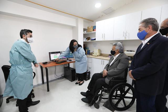 Suscripción de convenio entre el Gobierno Nacional del Ecuador y la Universidad San Francisco de Quito para incrementar la vigilancia epidemiológica del COVID-19 y sus variantes