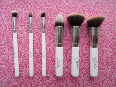 Flawless Deluxe Makeup Brush Set