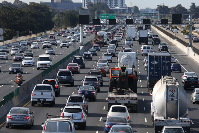 Freeway traffic in California. Photo: Justin Sullivan / Getty Images