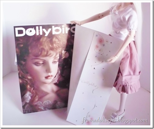Review of the Japanese doll magazine, Dolly Bird.  As seen through the eyes of a ball jointed doll.