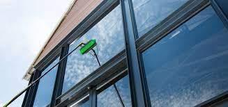 4 Essential Factors to Consider When Hiring Professional Window Cleaning Services