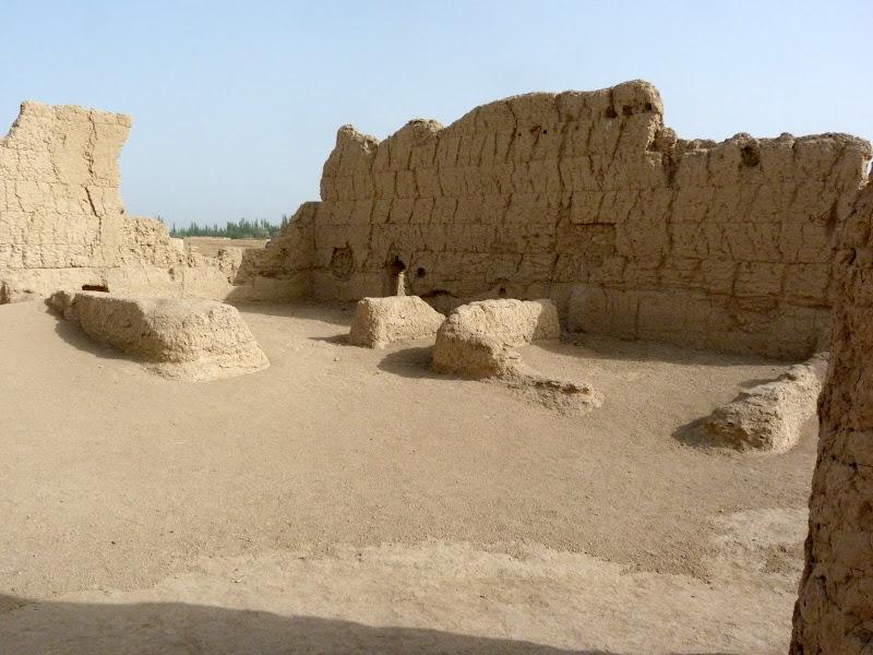 XINJIANG.  Turpan. Ancient city of Jiaohe, Flaming Mountains, Karez, Bezelik Thousand Budda caves - P1270790.JPG