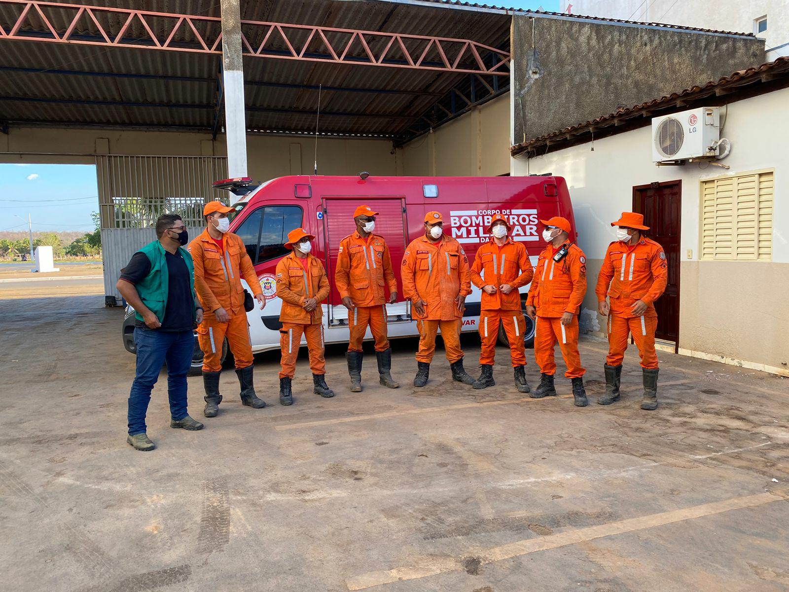 *Equipes do 17º GBM debelam incêndio florestal em Formosa do Rio Preto*