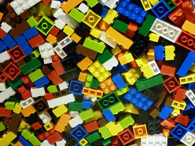Taipei. Songshan Cultural and Creative Park. Nathan Sawaya. LEGO - P1220970.JPG