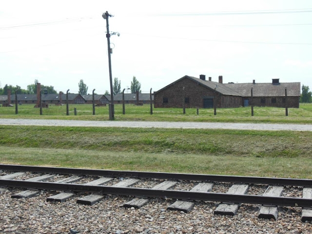Vías del tren en el Campo de Concentración Birkenau
