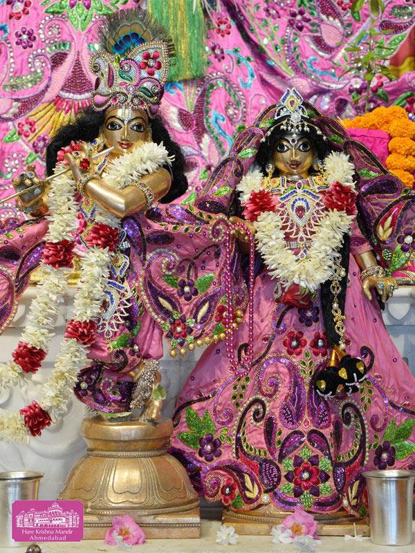 ISKCON Ahmedabad Deity Darshan 20 Sep 2016 (8)