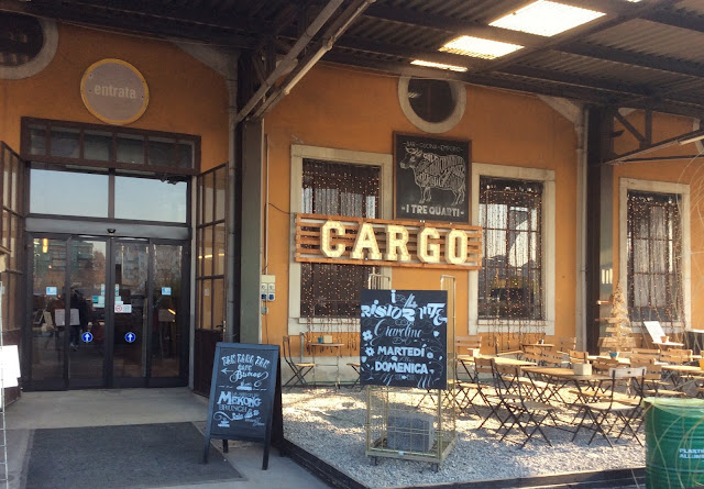 Retr and design my best of cargo for High tech milano