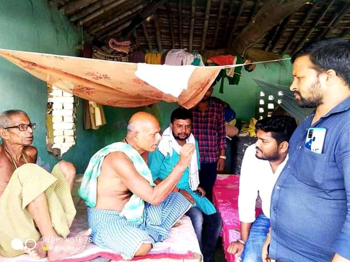 मधेपुरा/बिहार विधानसभा चुनाव में अपनी सक्रियता दिखाते हुए मधेपुरा विधानसभा 73 के रणवीर यादव गम्हरिया के भेलवा  में एवं अन्य कई गांव में सघन जनसंपर्क चलाया