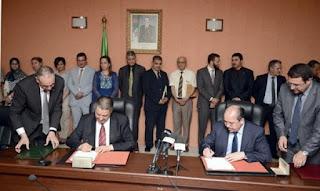 Sensibilisation sanitaire: signature d'un accord de partenariat entre les ministères de la santé et des affaires religieuses