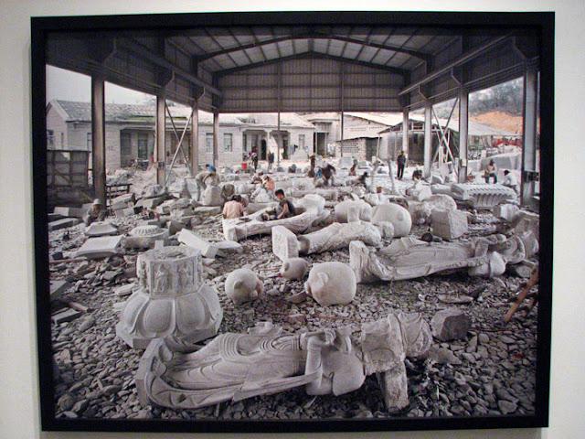 chelsea-galleries-nyc-11-17-07 - IMG_9572.jpg