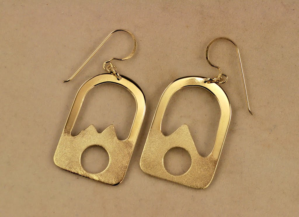 Earrings - CE%2B908%2BFull%2BMoon%2BUnder%2Bthe%2BMountains.JPG