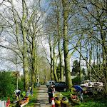 068-Om 16.51u. leggen we terug aan naast de begraafplaats -Bieberg.