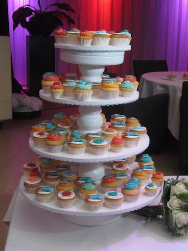 013- Gemengde cupcakes Bart en Jantine.JPG