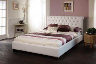 Nice LB bed frame in faux leather black or white