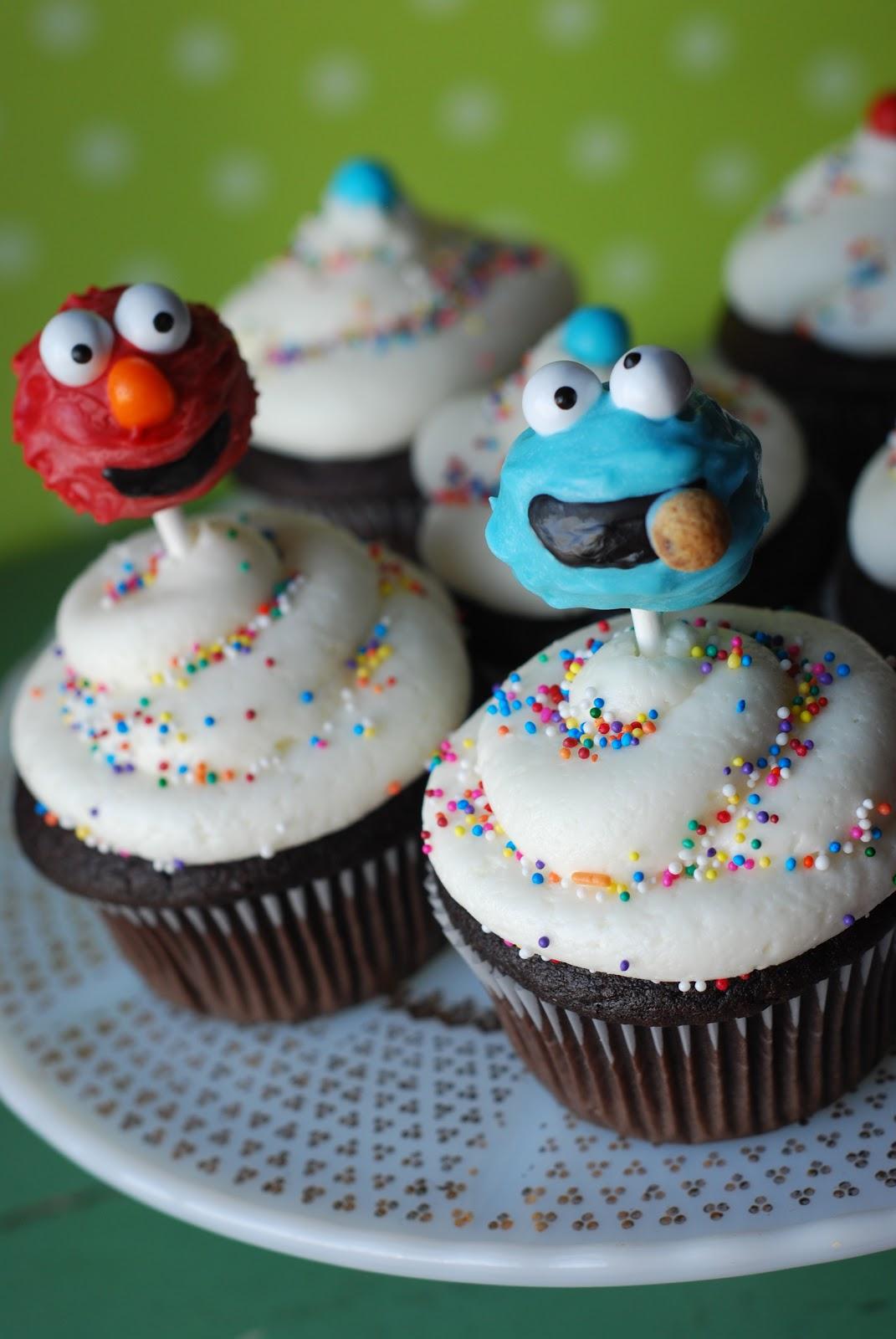 Sweet Cheeks Tasty Treats Cake Pops And Cupcakes Unite