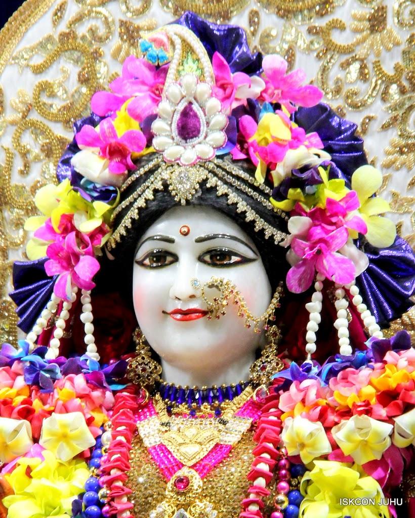 ISKCON Juhu Sringar Deity Darshan on 25th August 2016 (50)