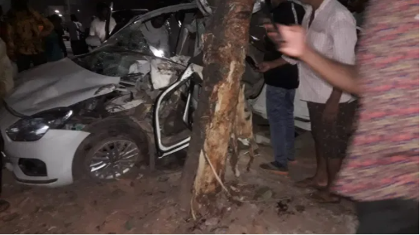 Accident in NH | ರಾಷ್ಟ್ರೀಯ ಹೆದ್ದಾರಿಯಲ್ಲಿ ಭೀಕರ ಅಪಘಾತ: ಯುವತಿ ಸಾವು, ಮೂವರು ಗಂಭೀರ