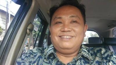 Politisi Partai Gerindra Arief Poyuono menilai partainya sedang memainkan politik waria.